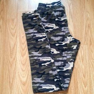 🔴 2/$20  Camo Leggings